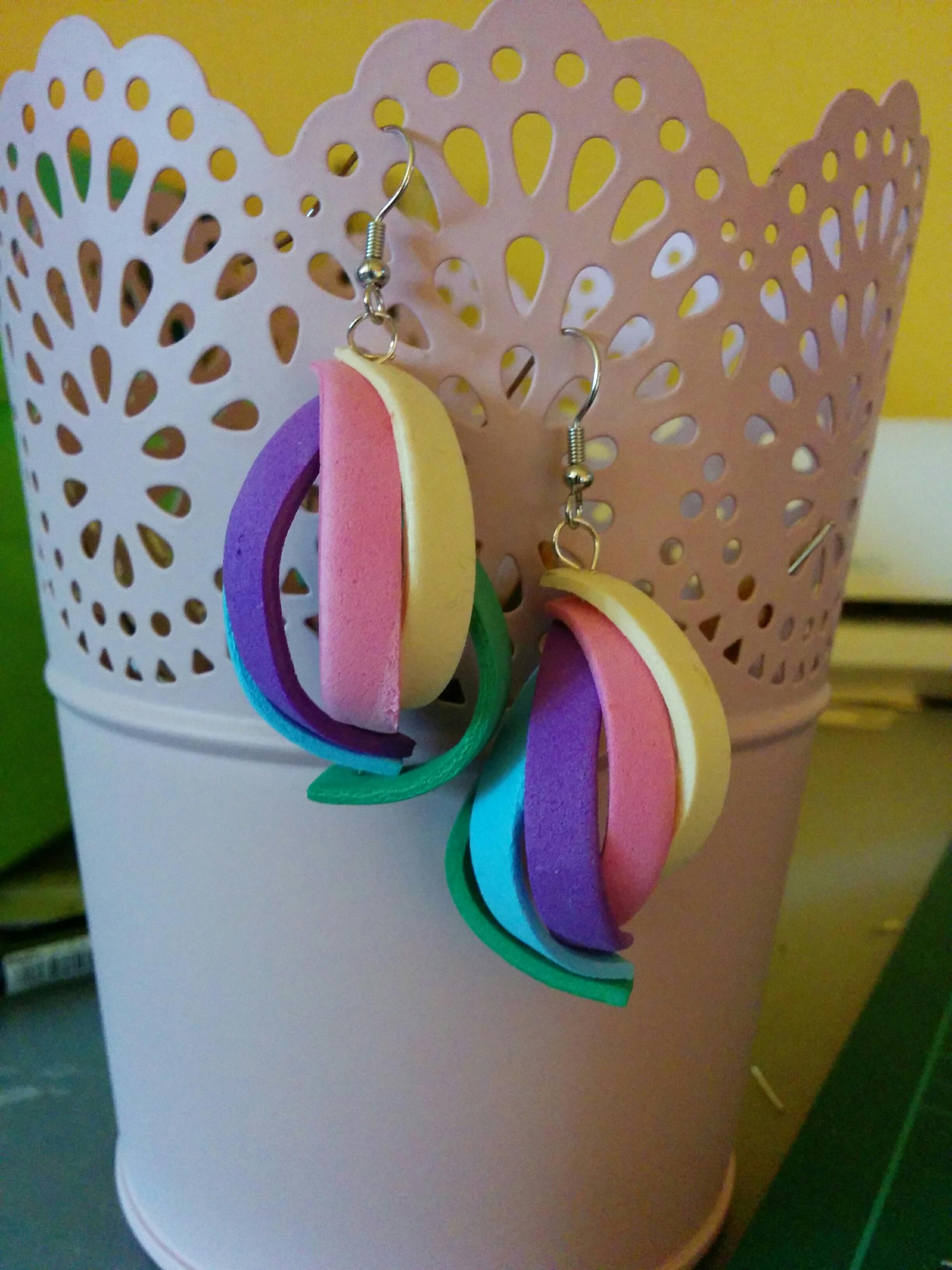 orecchini a spirale in gomma eva